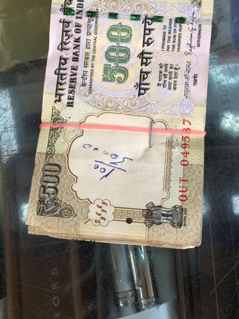 soldi sifillati con appuntatrice